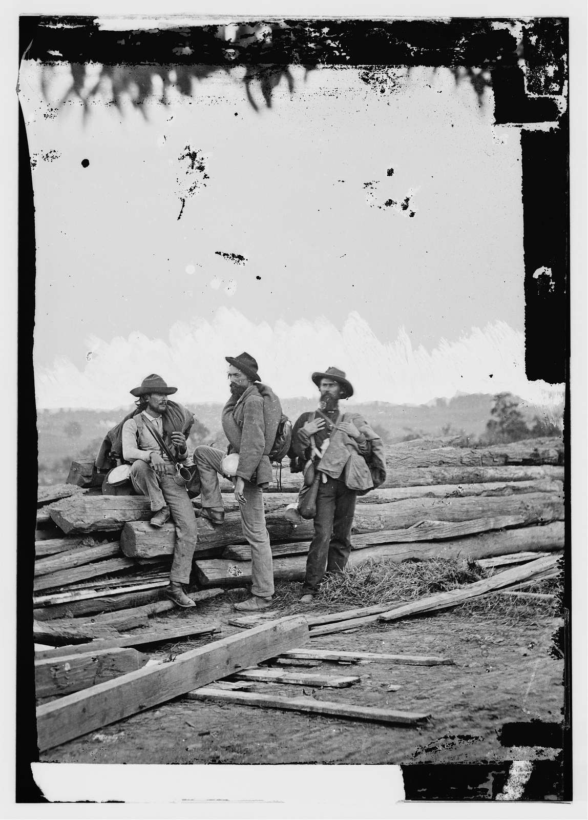 Gettysburg, Pa. Three Confederate prisoners