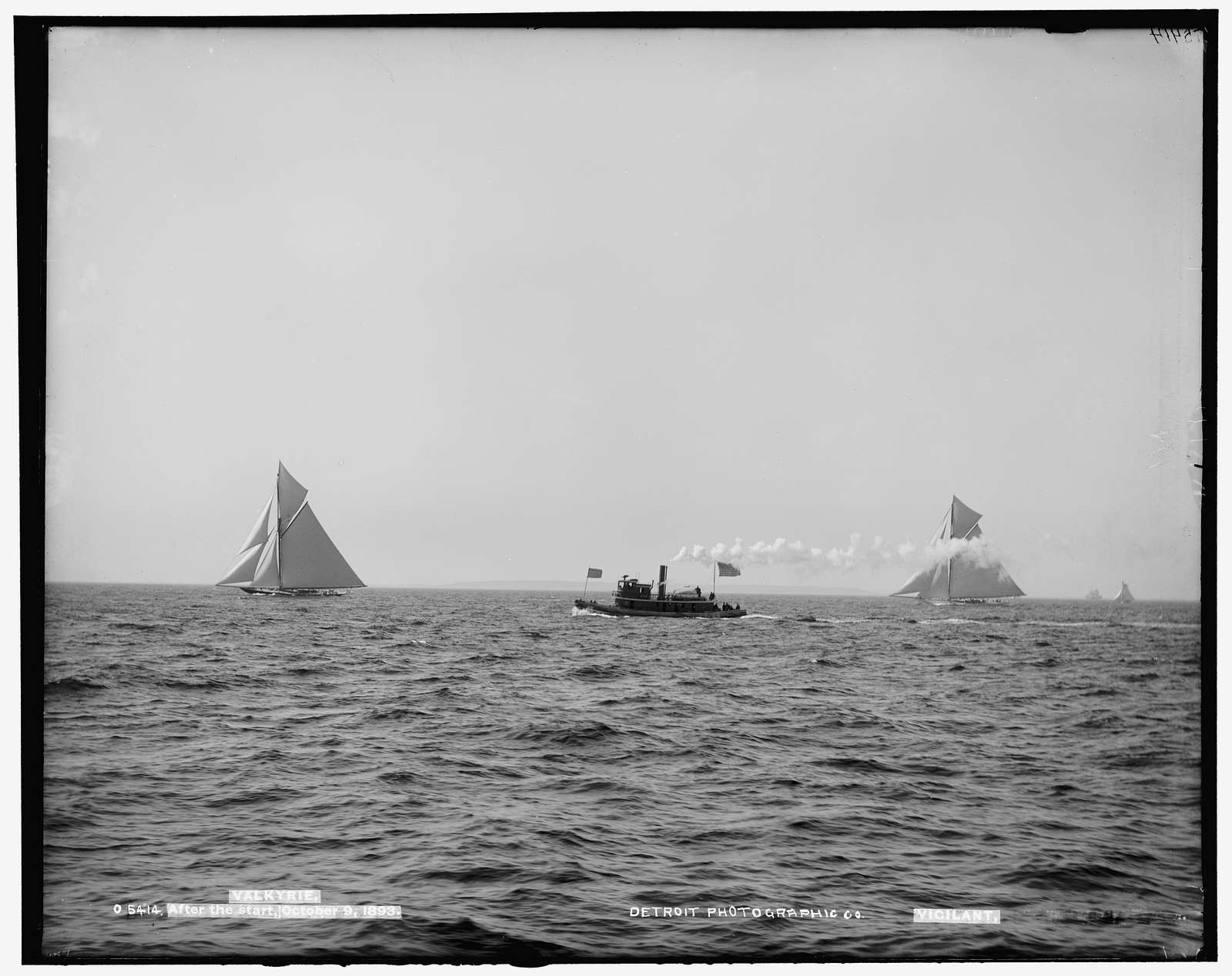 Valkyrie and Vigilant, after the start