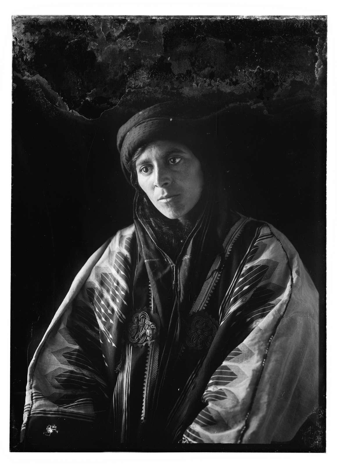 Miscellaneous Bedouin women