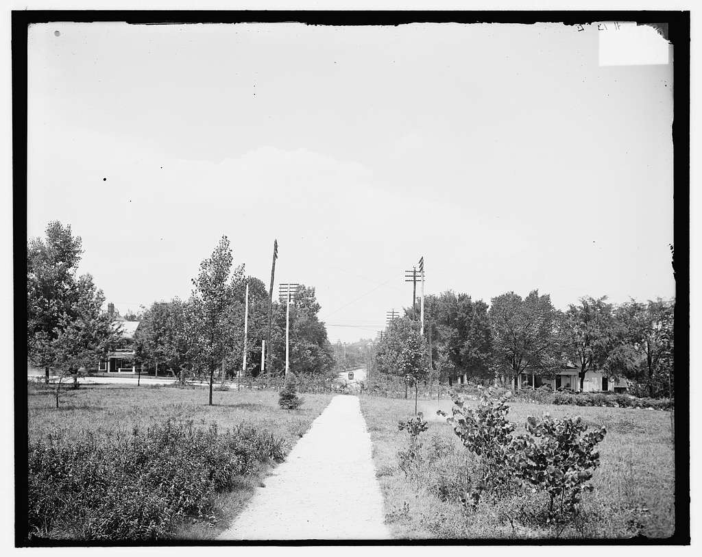 Circle Park, looking north, Knoxville, Tenn.