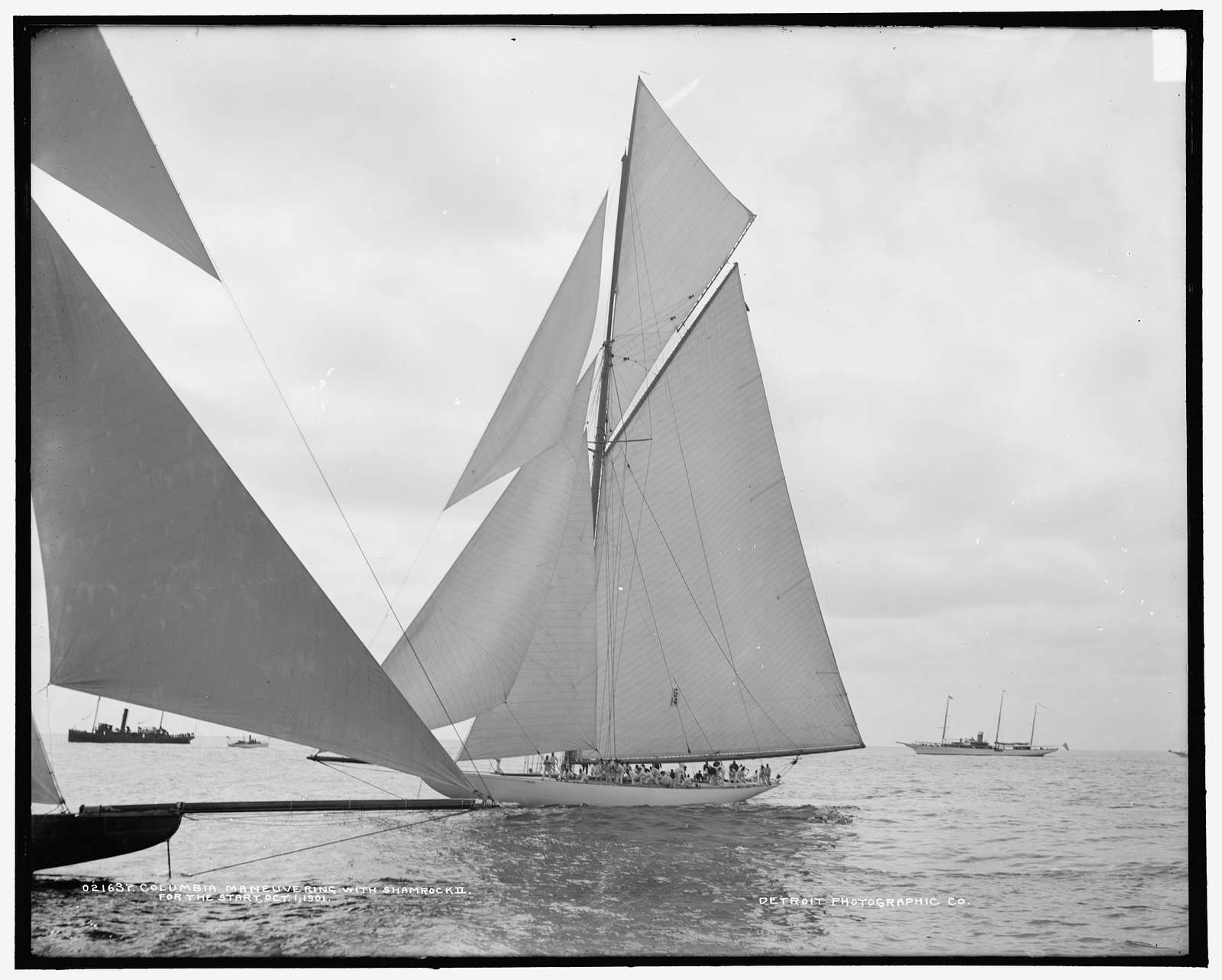 Columbia maneuvering for the start with Shamrock II