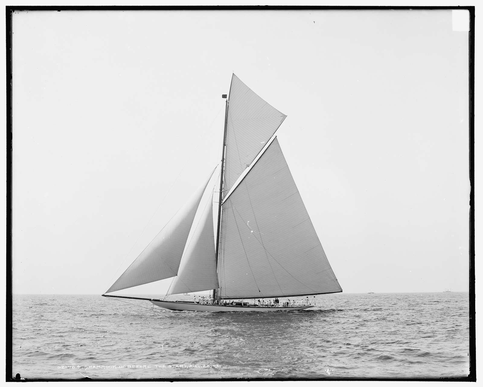 Shamrock III before the start, Aug. 22, 1903