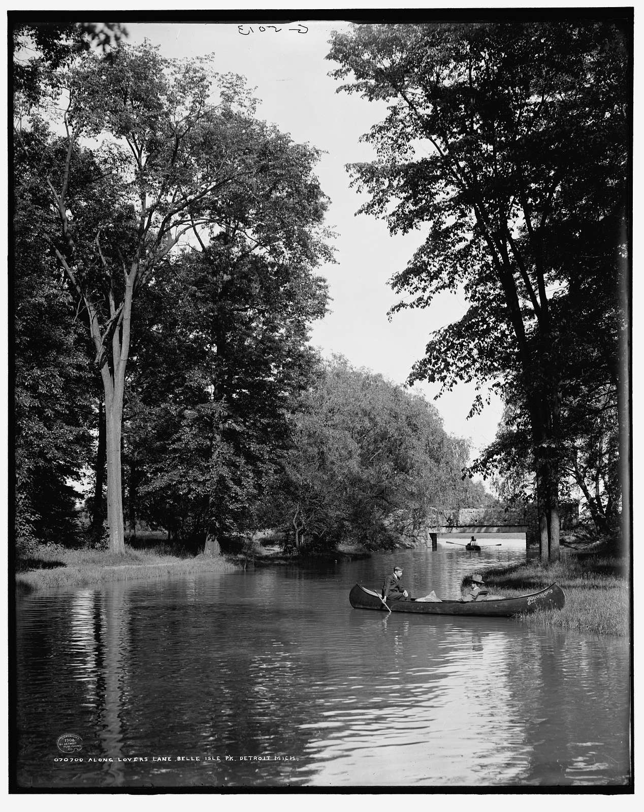 Along lovers' lane, Belle Isle Pk. Park, Detroit, Mich