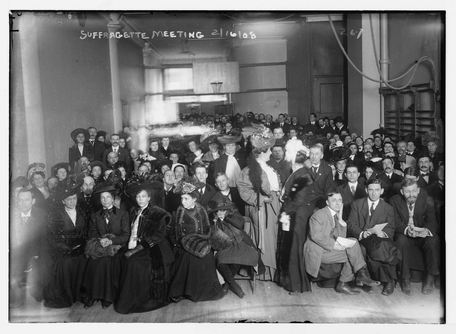 Suffragette meeting in gymnasium, New York