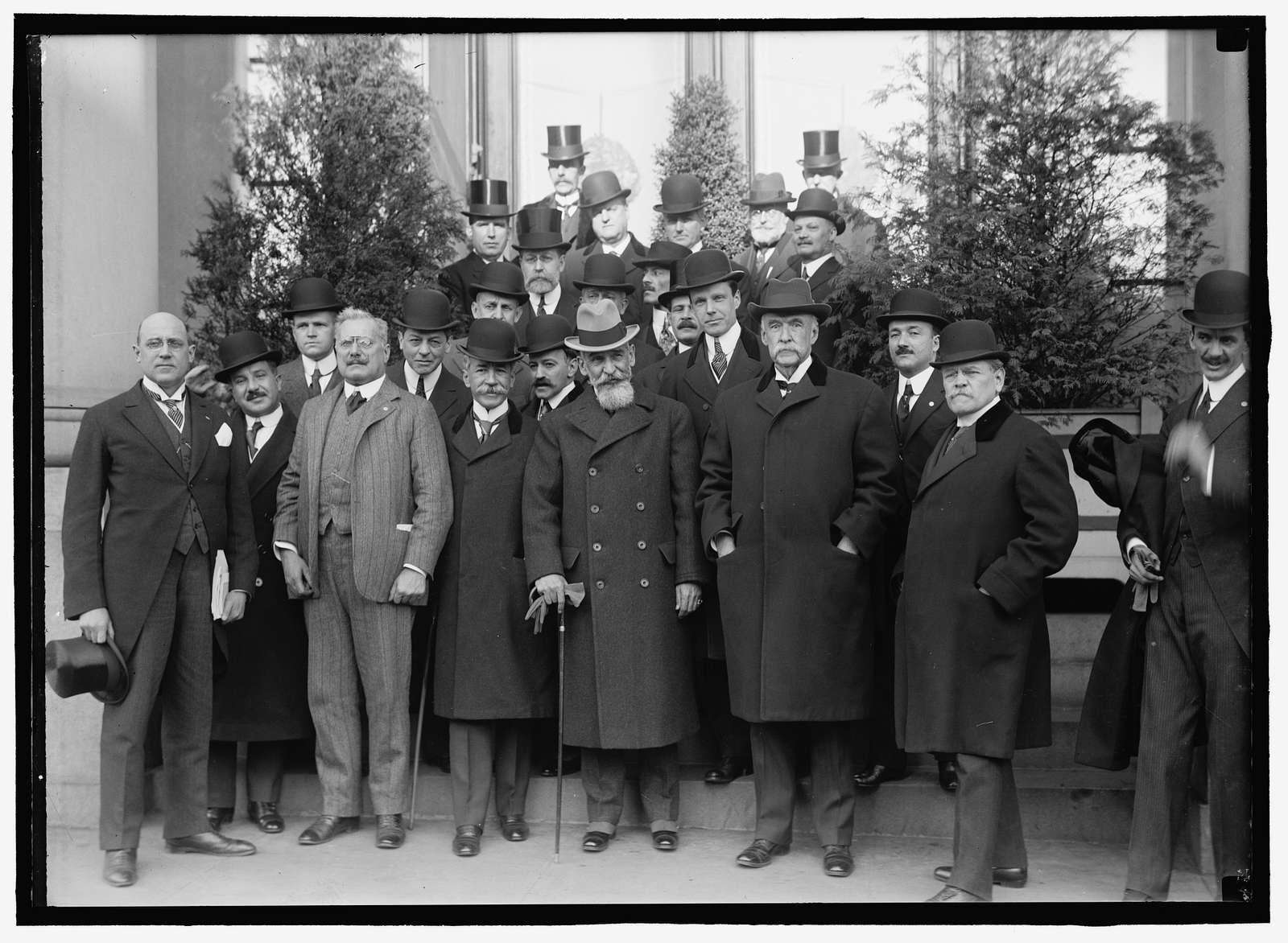 PAN AMERICAN SCIENTIFIC CONGRESS DECEMBER 1915-JANUARY 1916. EXECUTIVE COMMITTEE OF THE CONGRESS AND SOME OF ORGANIZING COMMITTEE. 1ST ROW: JOHN BARRETT; ENSEBIO AYALA, PRES. DELN. PARAGUAY; ERNESTO QUESADA, PRES. ARGENTINE DELN.; AMBASSADOR DOMICIO DA GAMA, PRES. BRAZILIAN DELN.; AMB. SUAREZMUJICA, PRES. CHILIAN DELN.; JUDGE GEORGE GRAY, PRES. U.S. DELN.; MIN. CARLOS M. DEPENA, PRES. URUGUAYAN DELN.; MANUEL GAMIO OF MEXICAN DELN. 2ND ROW: JULIO PHILIPPI, V.P. CHILIAN DELN.; MIN. JOAQUIN MENDEZ, PRES. GUATEMALEN DELN