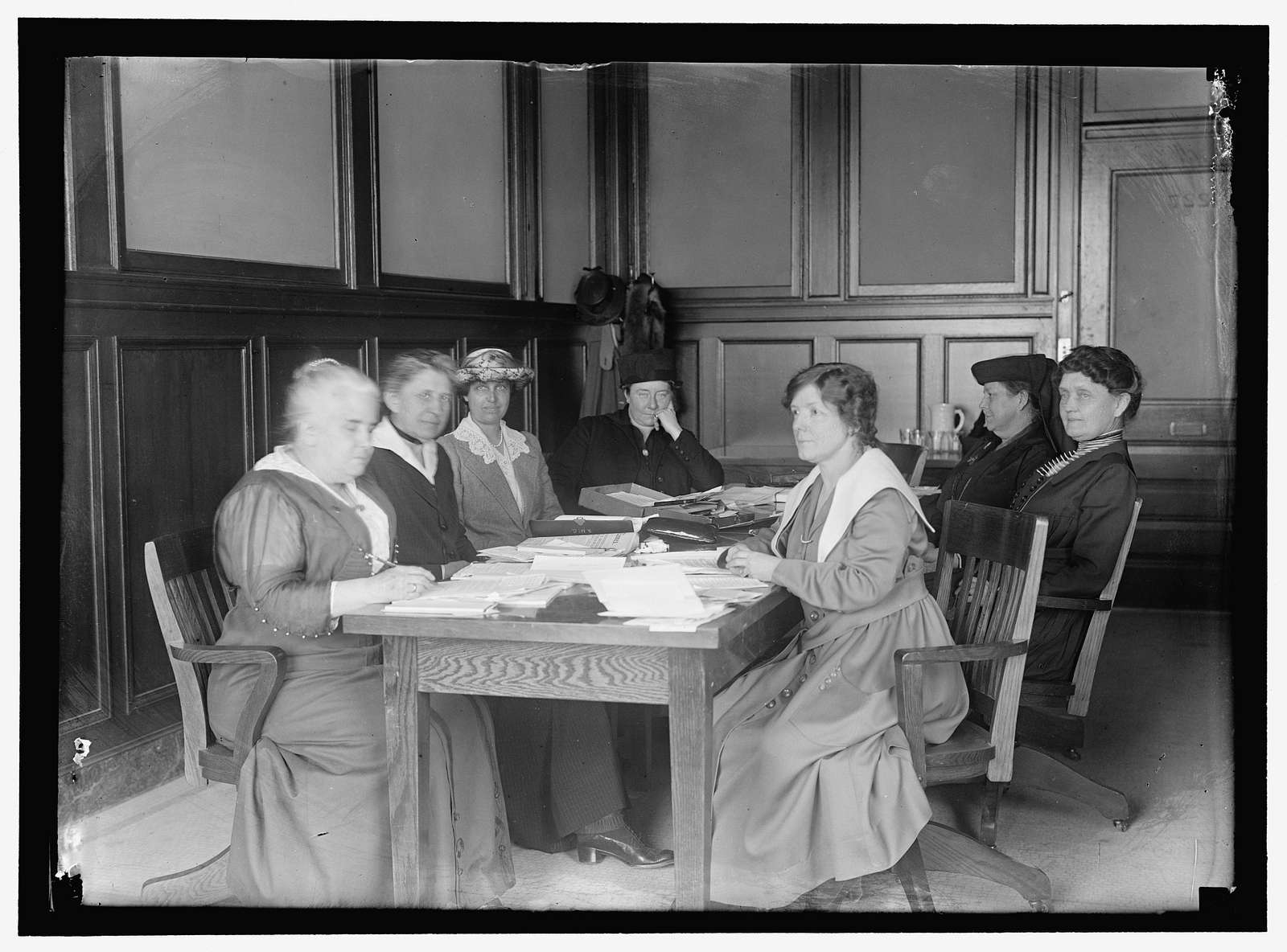 WOMAN'S COMMITTEE. COUNCIL OF NATIONAL DEFENSE. DR. ANNA HOWARD SHAW; IDA M. TARBELL; MRS. STANLEY McCORNICH; MAUD WETMORE; ANTIONETTE FUNK; MRS. JOSIAH COWLES; MRS. JOSEPH LAMAR