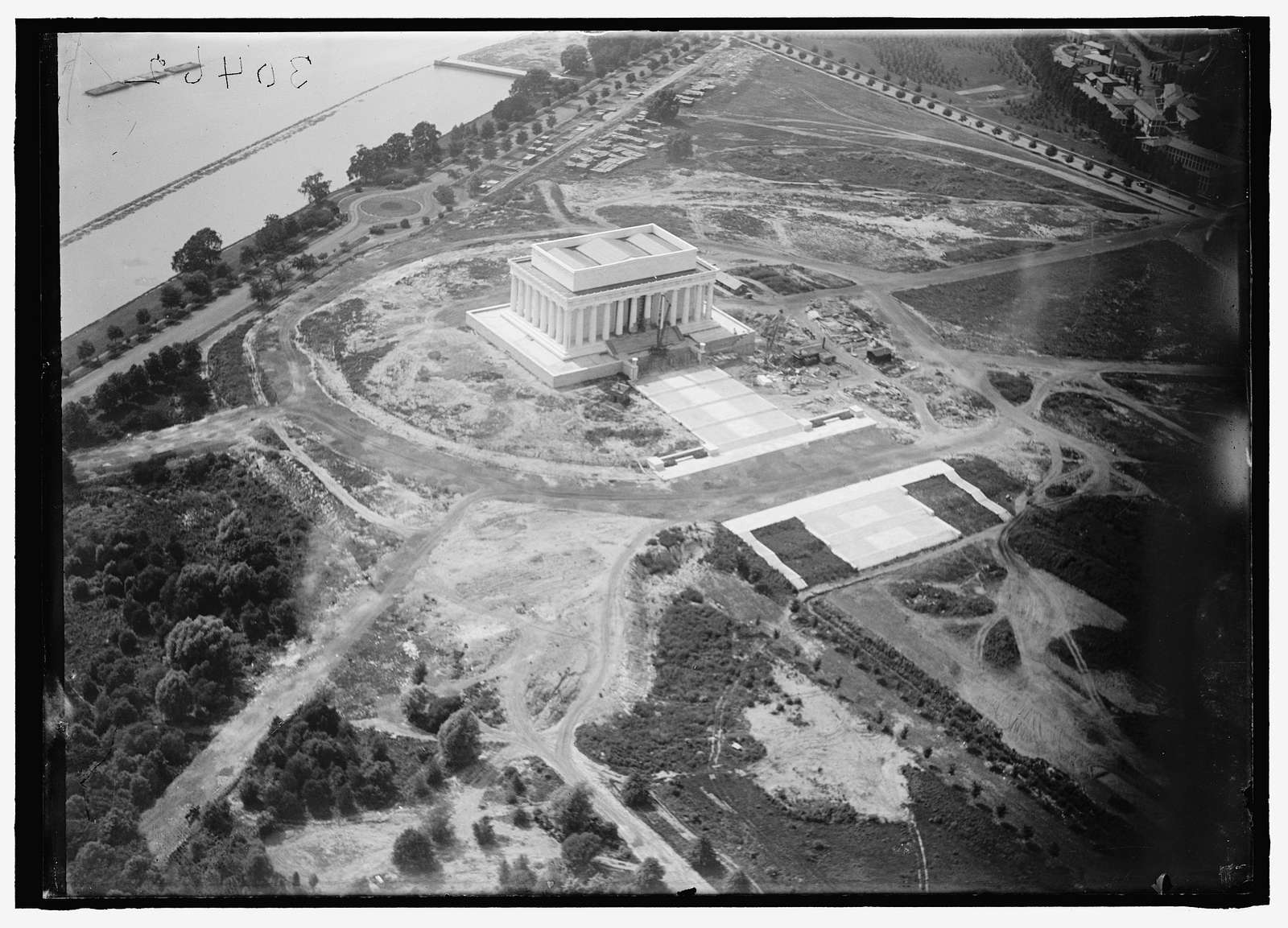 LINCOLN MEMORIAL. UNDER CONSTRUCTION. VIEW FROM AIR