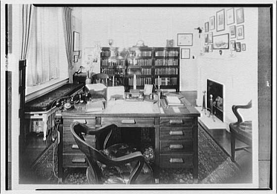 Dr. Oden, office and residence. Dr. Oden's study I