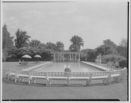 Manor Country Club. Swimming pool, Manor Country Club