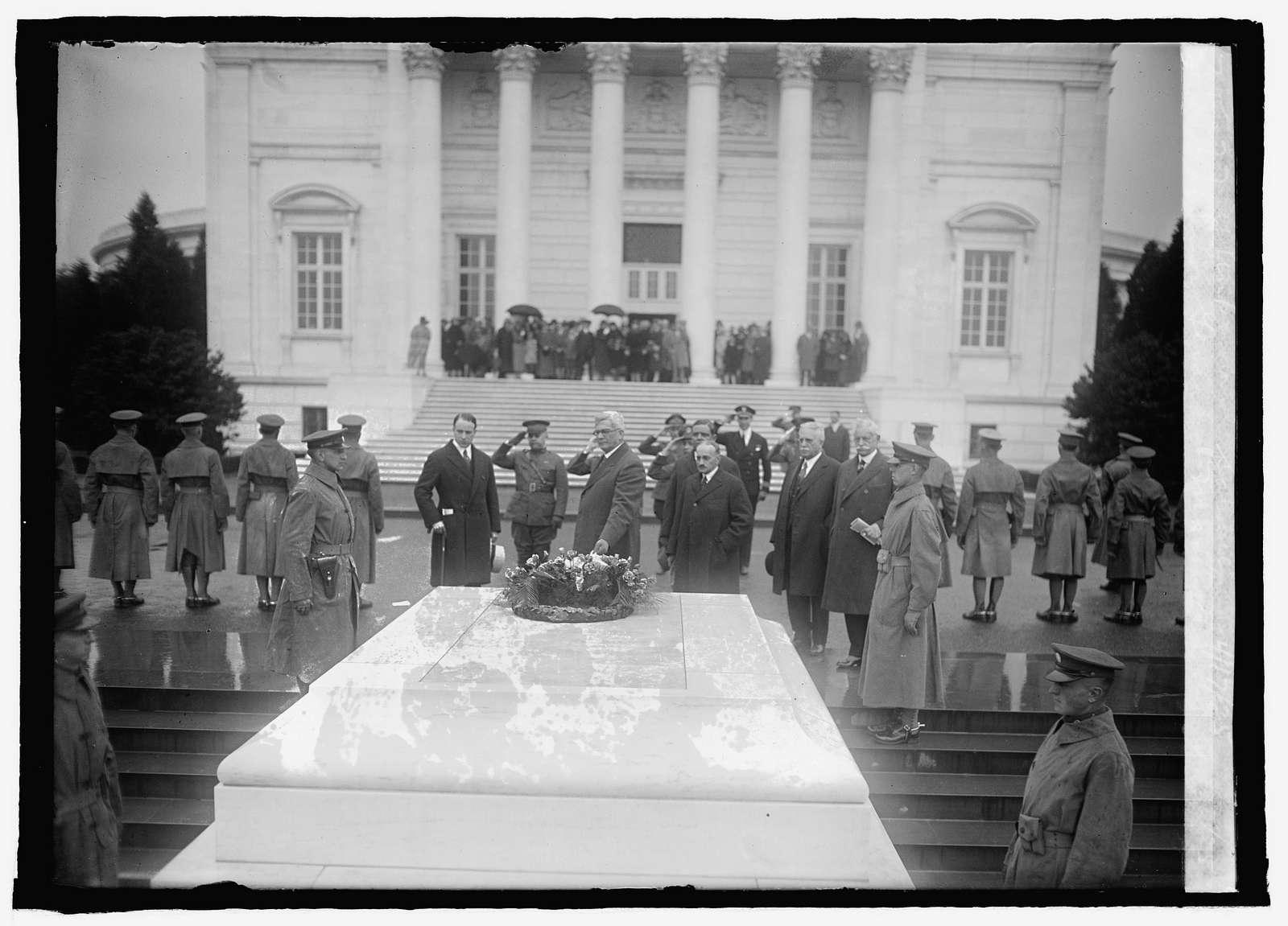 Senor Gerardo Machado at Tomb of the Unknown Soldier, Arlington, Virginia, 41725
