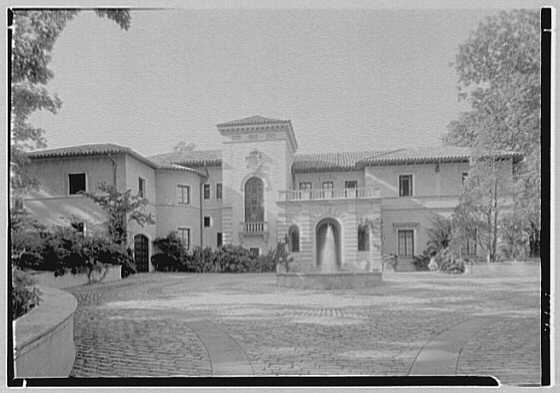 Anthony Campagna, residence in Riverdale-on-Hudson, New York City. Axis entrance court view