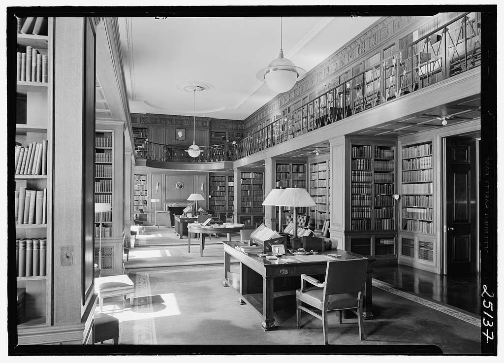 Union Club, 701 Park Ave., New York City. Library, general view
