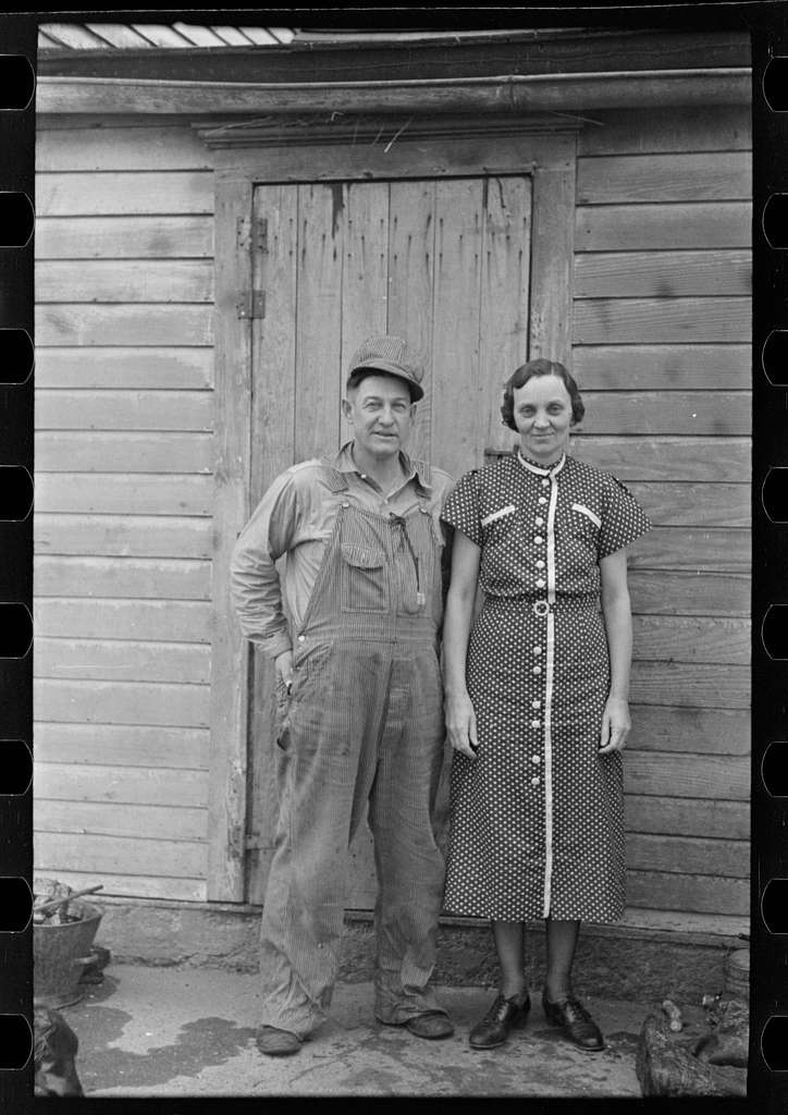 Mr. and Mrs. Roy Merriott on rented farm of 160 acres near Estherville, Iowa. Until recently owned by loan company; it has been sold to a private party. It is the third farm Merriott has lost in the past ten years