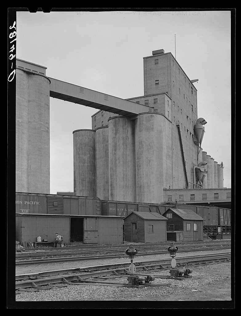 Grain elevator. Minneapolis, Minnesota