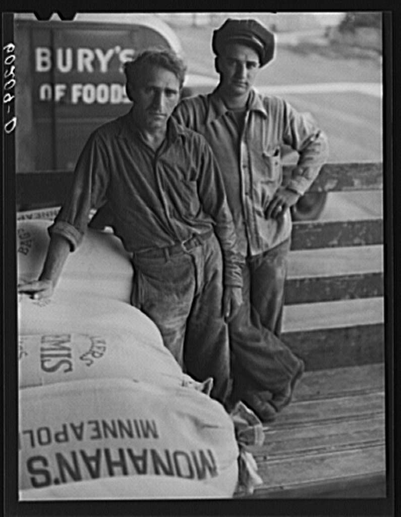 Loaders at Pillsbury flour mill. Minneapolis, Minnesota