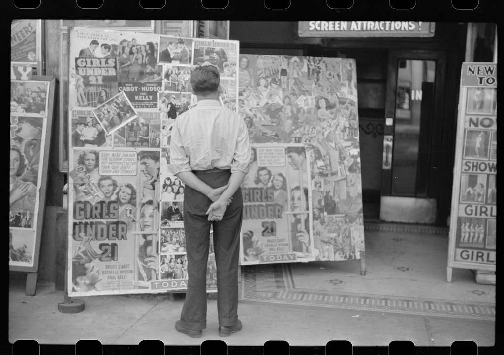 Untitled photo, possibly related to: South State Street. Chicago, Illinois