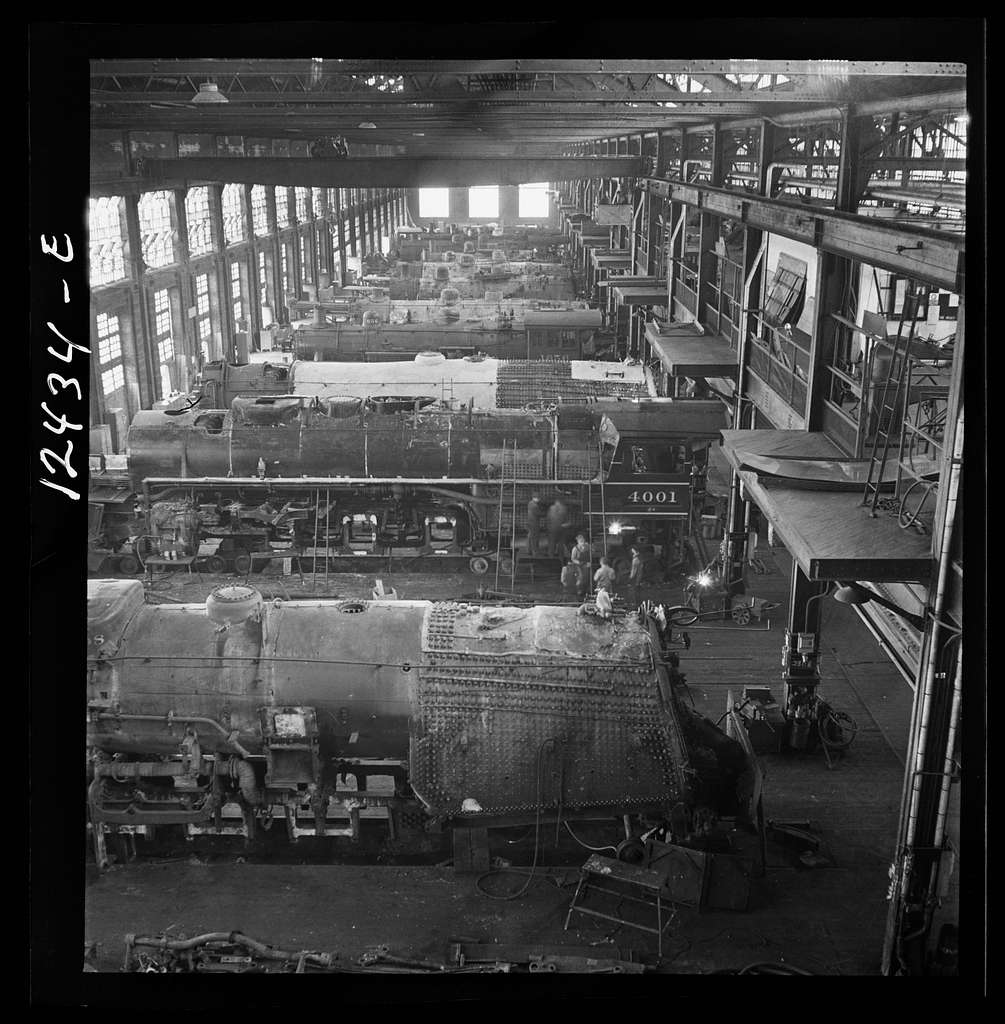 Chicago, Illinois. General view of a Chicago and Northwestern Railroad locomotive repair shop