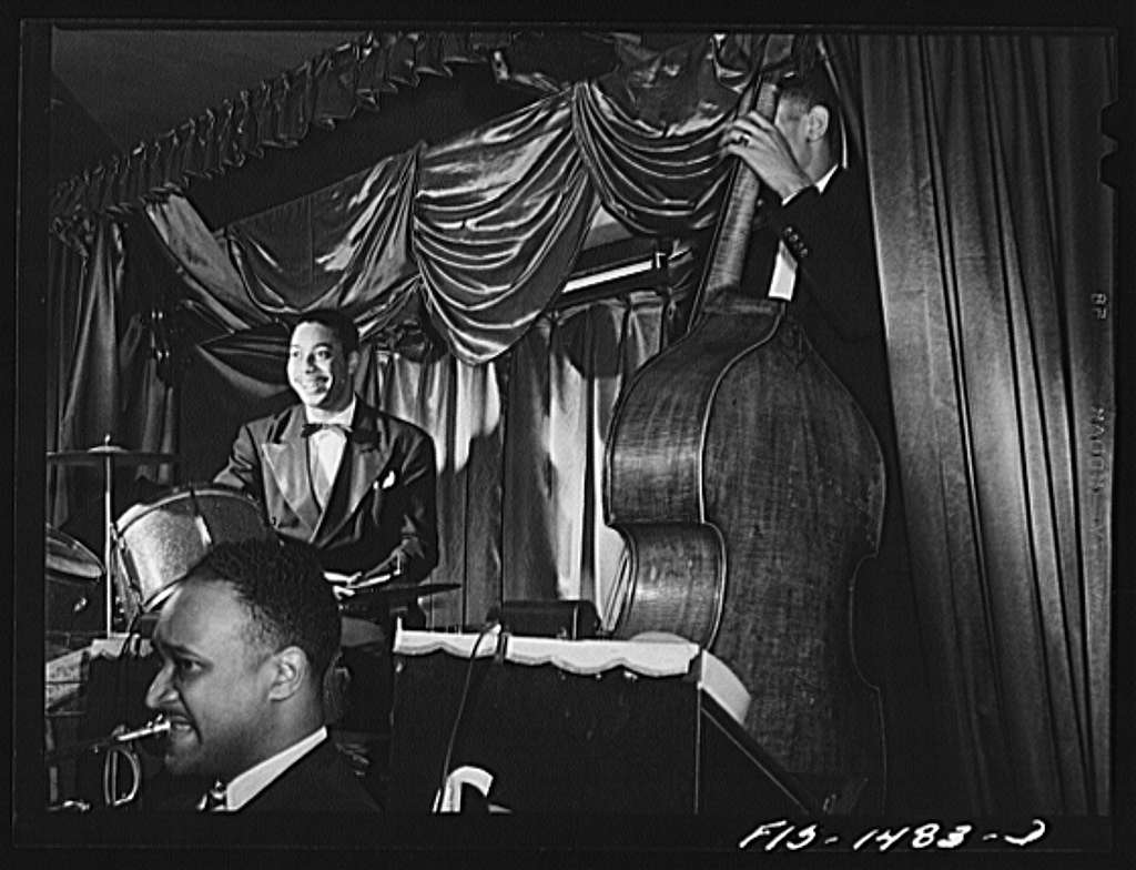 Oliver Coleman playing in a nightclub on 55th Street in Chicago, Illinois