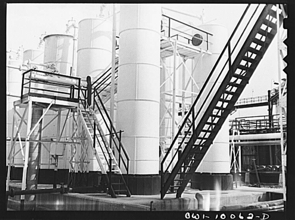 Tulsa, Oklahoma. Gasoline treaters at the Mid-continent refinery