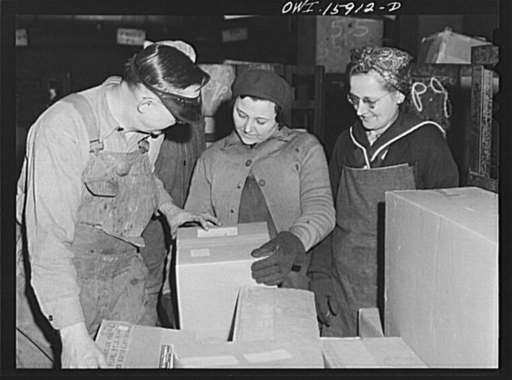 Chicago, Illinois. The Union Station employs many women in the mail department to handle parcel post packages