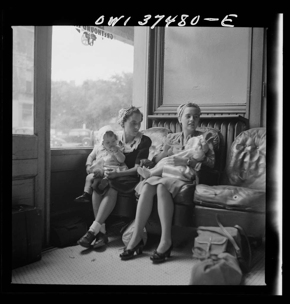 Washington Court House, Ohio. Mothers with their babies waiting at the bus depot