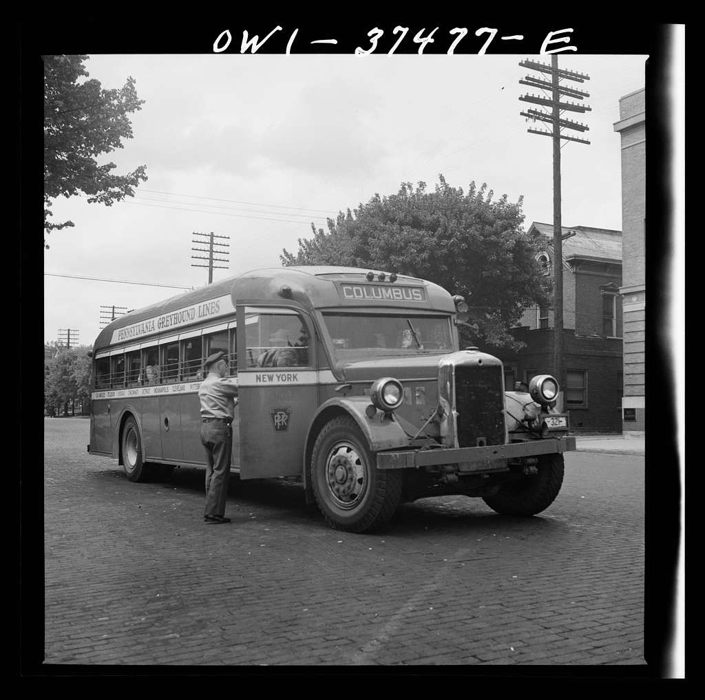 Washington Court House, Ohio. Passenger boarding a bus