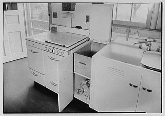 Mrs. John Taylor, residence in Stockton, New Jersey. Garbage container