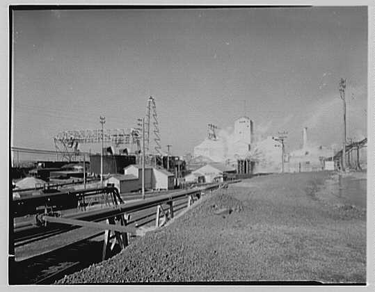 Pittsburgh Plate Glass Co., Columbia Chemical Division. General view of plant VI