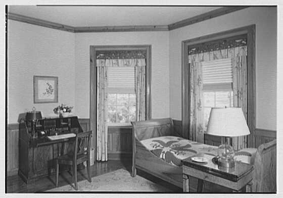 Paul Mellon, residence in Upperville, Virginia. Small guest room I
