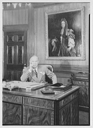 William R. Warner Co., 18th St. and 6th Ave., New York City. Mr. Bobst in office II
