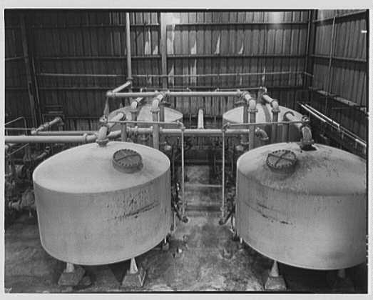 Dominion Alkali & Chemical Co., Ltd., Beaunhois i.e. Beauharnois, Canada. Brine filters