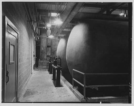 Dominion Alkali & Chemical Co., Ltd., Beaunhois i.e. Beauharnois, Canada. Tanks and scales