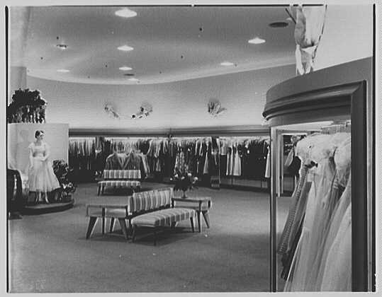 Hahne & Co., business in Montclair, New Jersey. Junior Misses