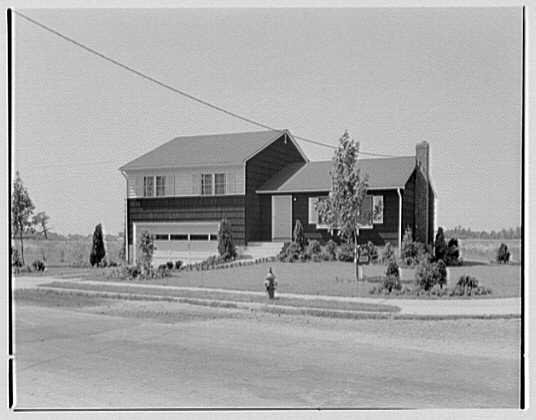 Sutton Hills model house, 2 Keswick Lane, Plainview, Hicksville, New York. Exterior