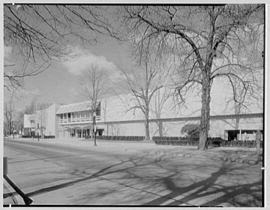 Bloomingdale's, business in Stamford, Connecticut. Exterior VI