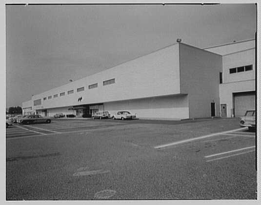 Lord & Taylor, business on White Plains Rd., Eastchester, New York. Exterior I
