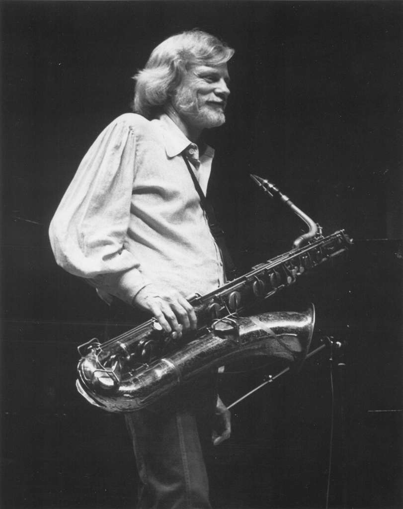 Gerry Mulligan with saxophone, 1979