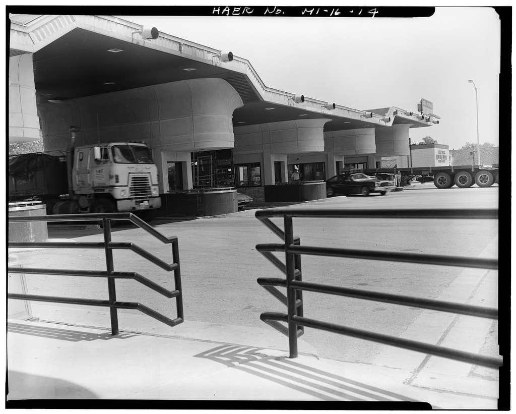 Blue Water Bridge Plaza, 410 Elmwood Street, Port Huron