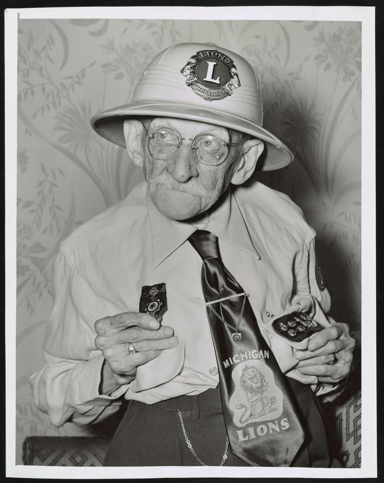 [Mr. Fred Banke (97), oldest active Lion, Michigan delegation] / World Telegram & Sun photo by Herman Hiller.