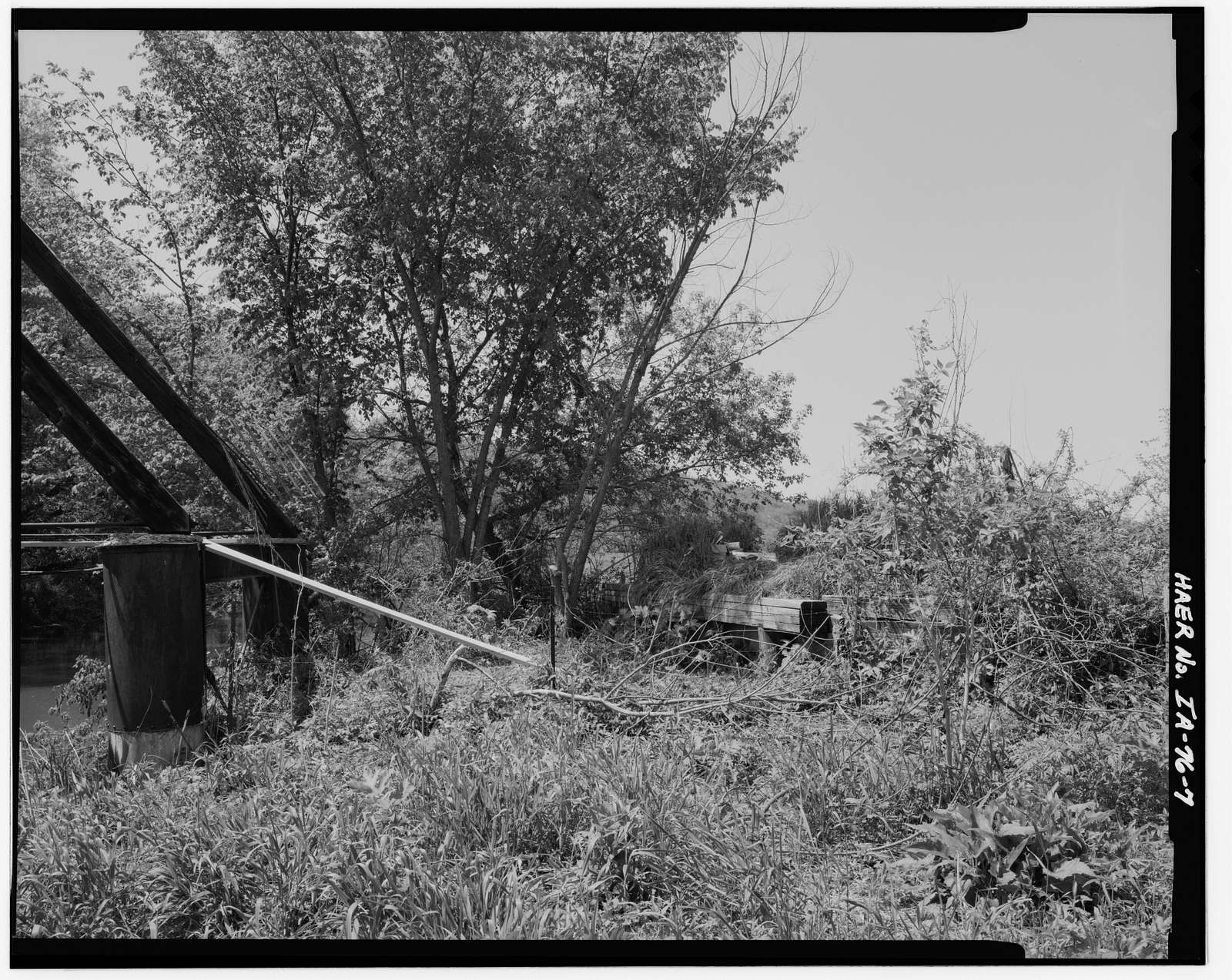 Red Bridge, Spanning Yellow river at abandoned county road, 7.3 miles northeast of Postville, Postville, Allamakee County, IA