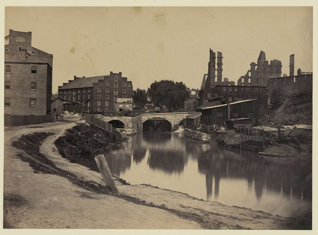 [Ruins at Richmond, Va., canal in foreground, ruins in background]