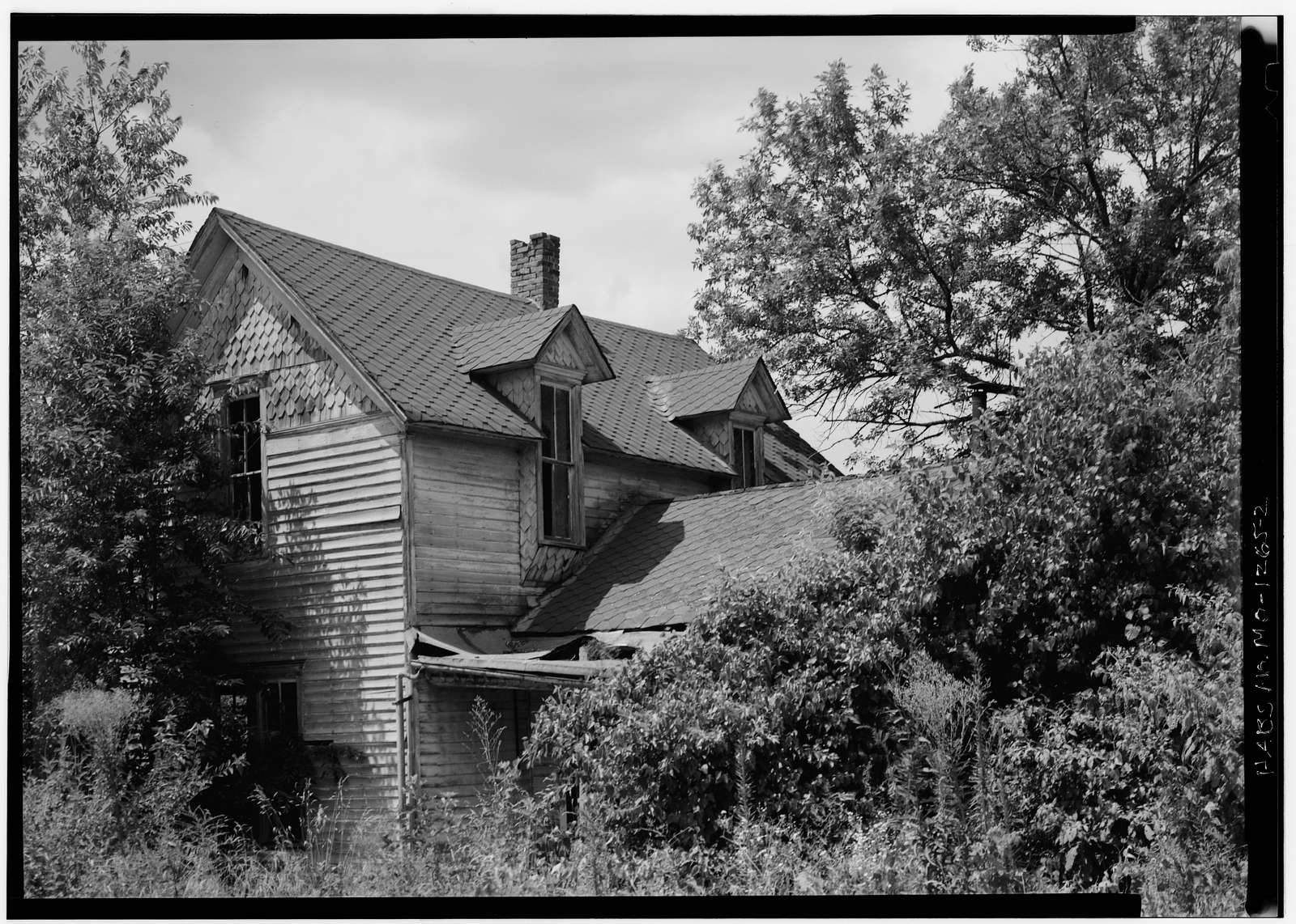 Second & Front Streets (House), Deepwater, Henry County, MO