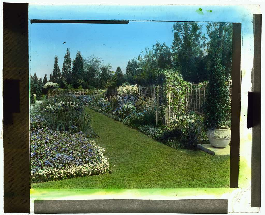 "[""Beacon Hill House,"" Arthur Curtiss James house, Beacon Hill Road, Newport, Rhode Island. Blue Garden, flower border]"