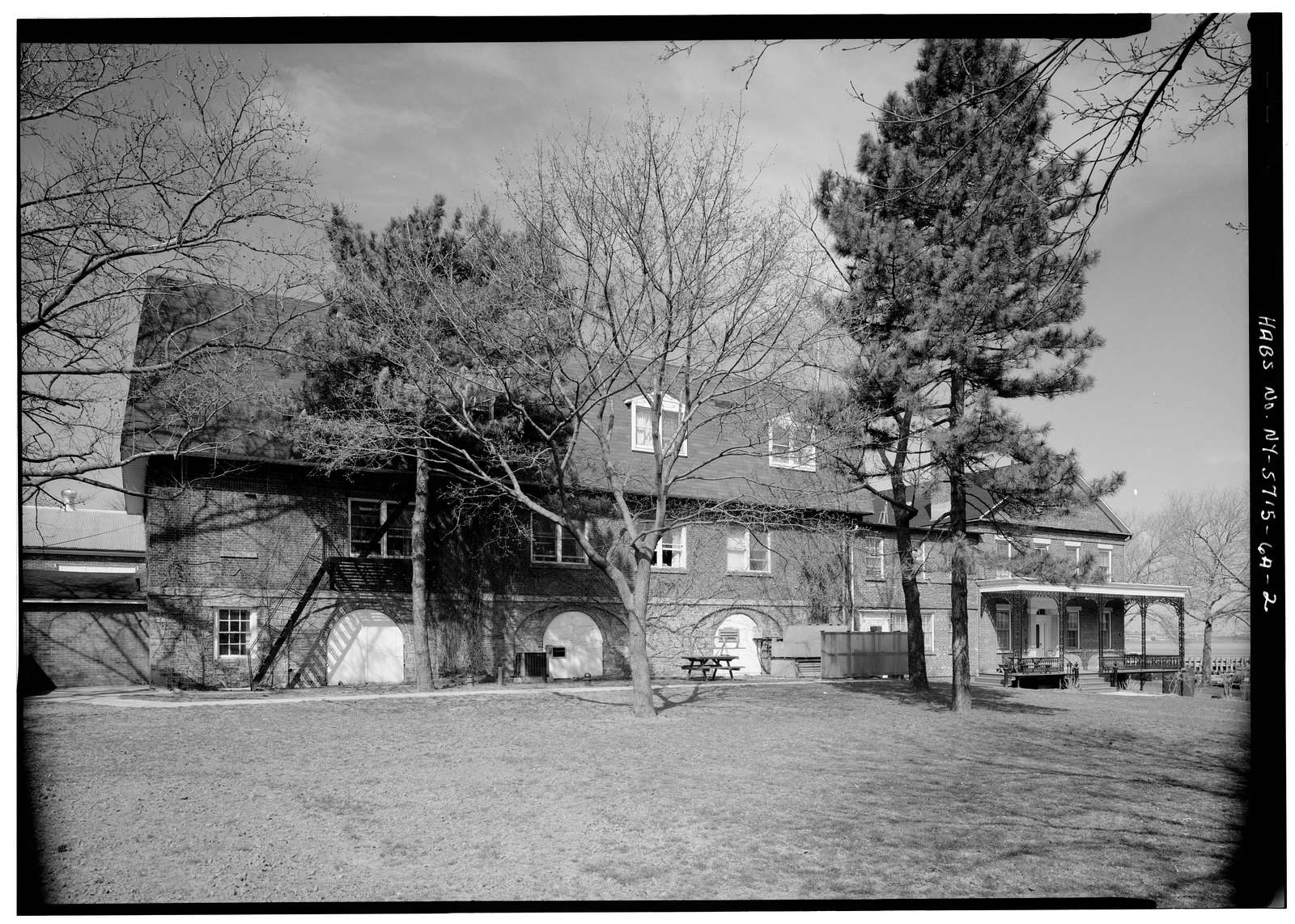 Governors Island, New York Arsenal, Storehouse & Commanding Officers' Quarters, New York Harbor near Andes Road, New York, New York County, NY