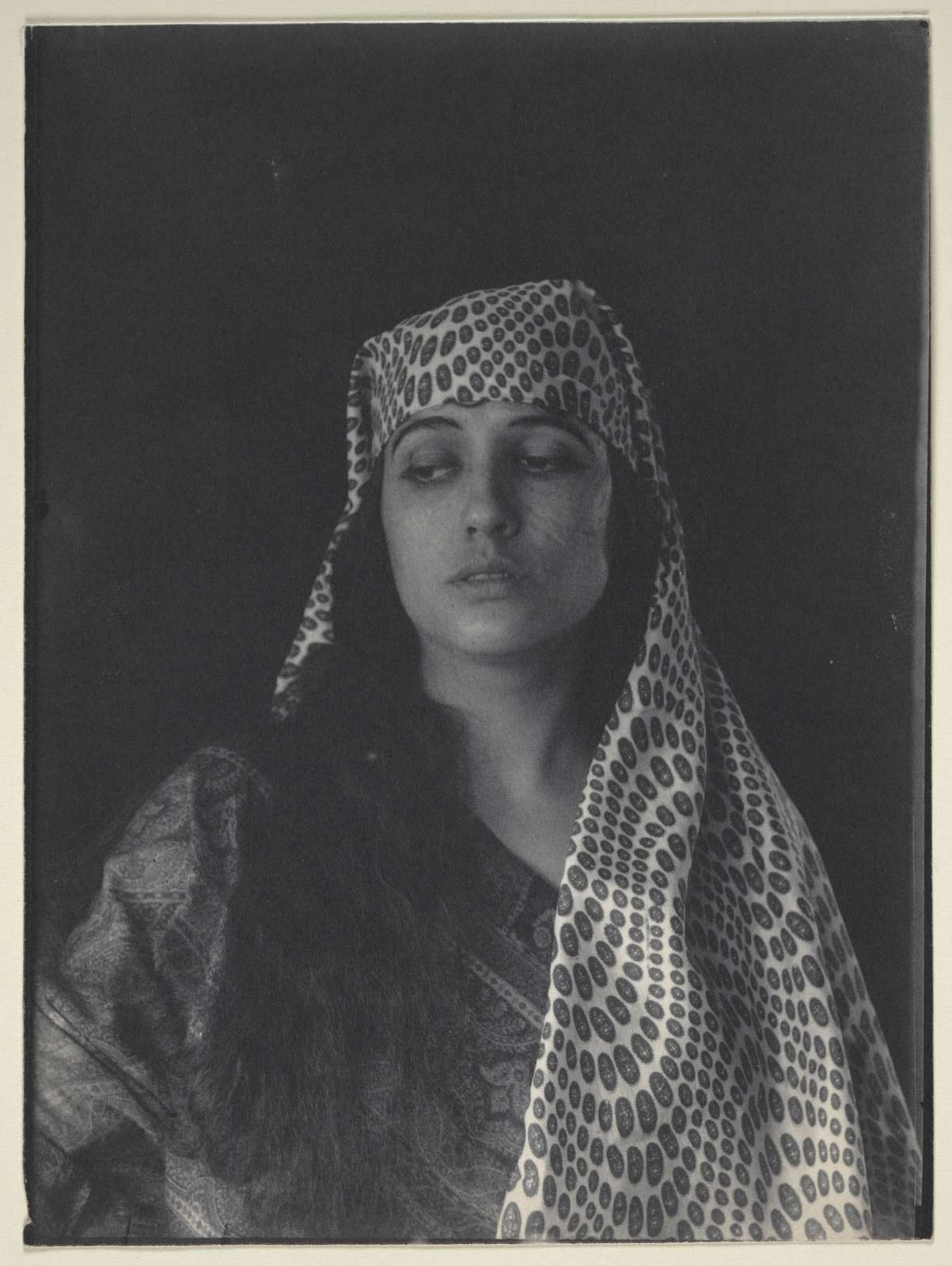 [Woman (Julia Arthur) in Middle Eastern (Salome?) costume]