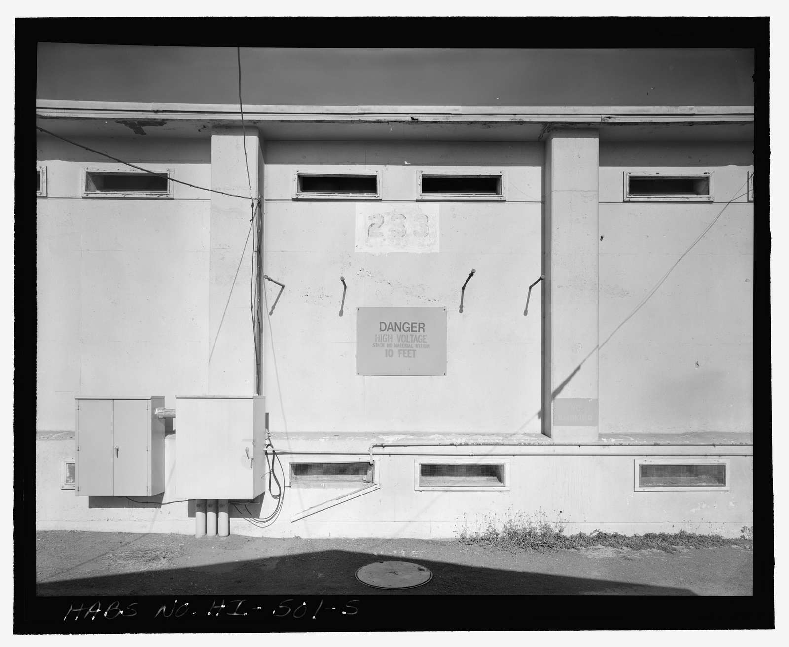 U.S. Naval Base, Pearl Harbor, Marine Railway No. 2 Machine House & Substation, Near intersection of Avenue G & Third Street, northwest of Dry Dock No. 3, Pearl City, Honolulu County, HI