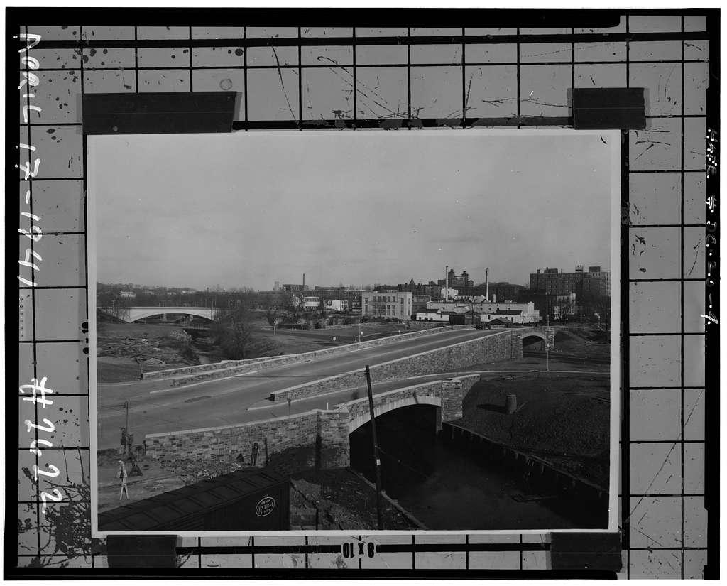 K Street Bridge, Spanning Rock Creek & Potomac Parkway, Washington, District of Columbia, DC