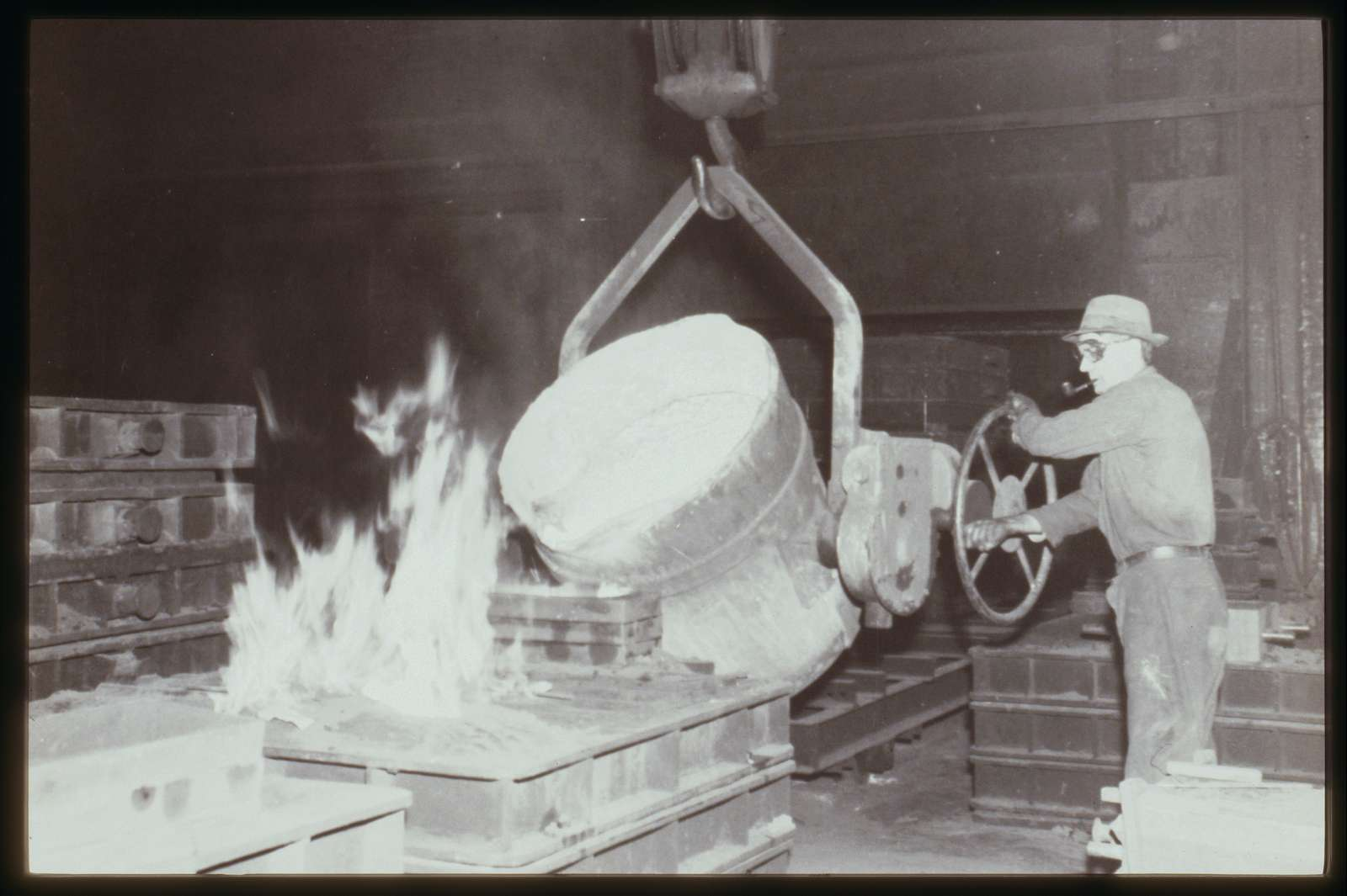 Making a cast in the foundry at Watson, 1970s.
