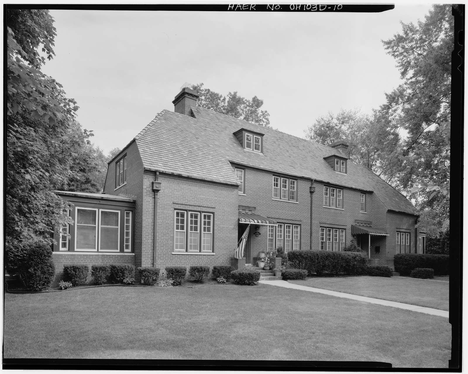 Wright-Patterson Air Force Base, Brick Officers' Quarters, Types E & F, Area A, Dayton, Montgomery County, OH