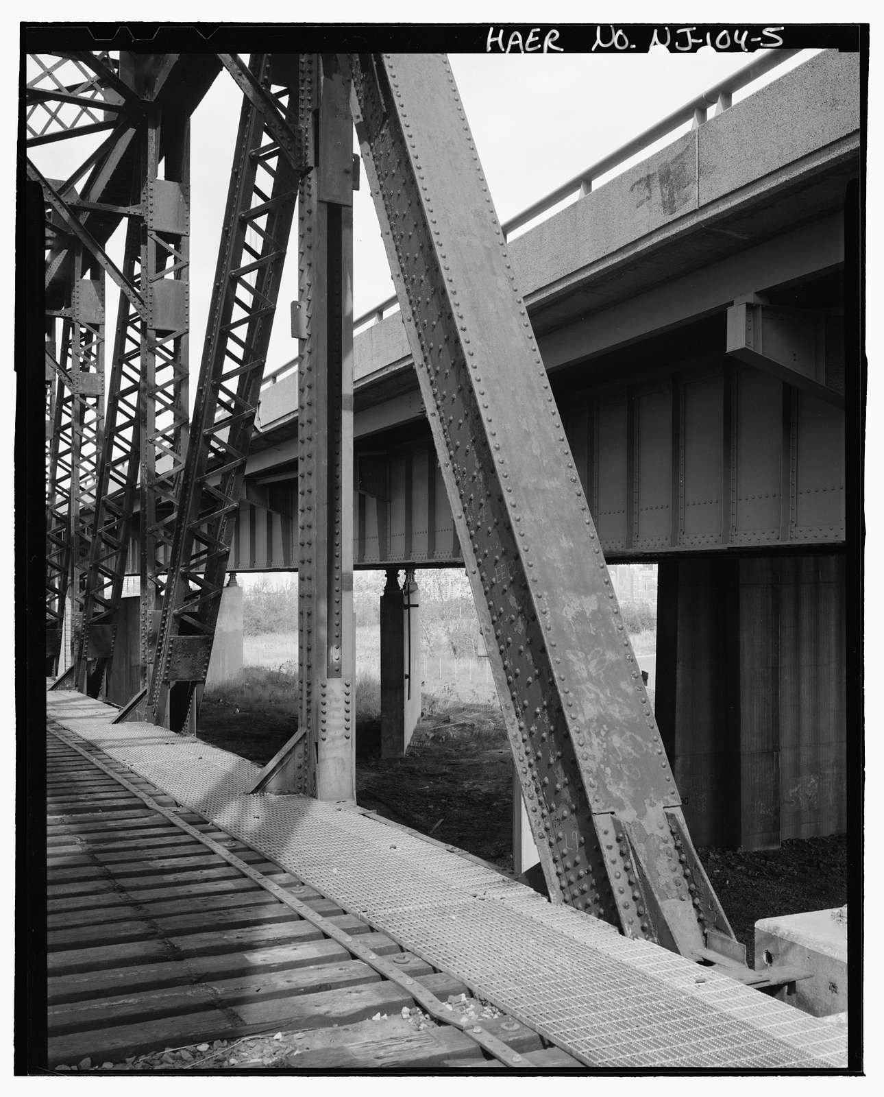 National Docks Branch Bridge N.D.2F, Spans former Central Railroad of New Jersey , west of New Jersey Turnpike, north of Communipaw Avenue near Johnson Avenue, Jersey City, Hudson County, NJ